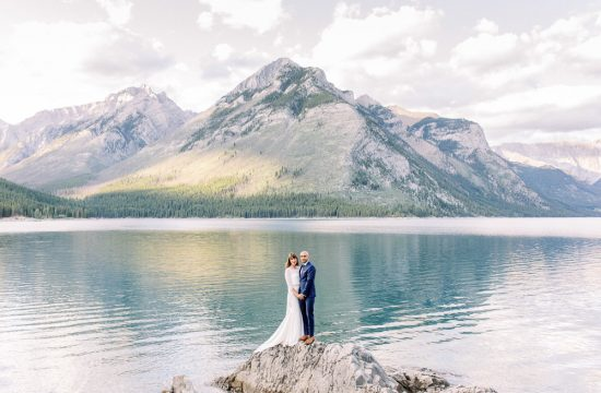 Calgary wedding photography mountain photoshoot lake minnewanka
