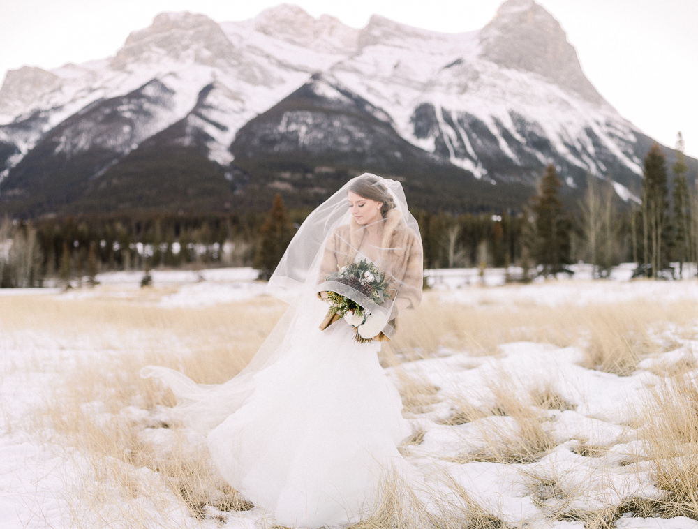Calgary wedding photography-Silvertip New years eve wedding canmore bride