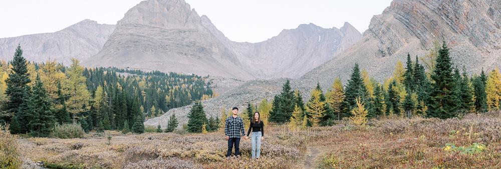 Banff fall engagement session couple portrait landscape