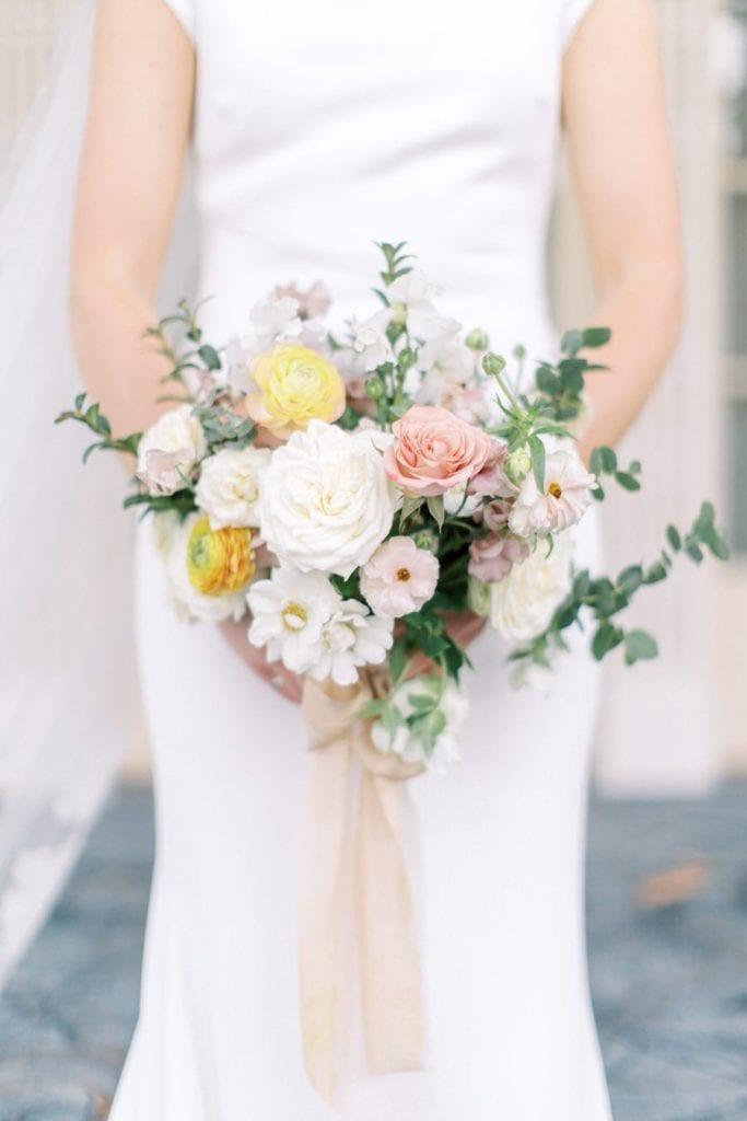 Banff wedding photography bridal portrait bouquet