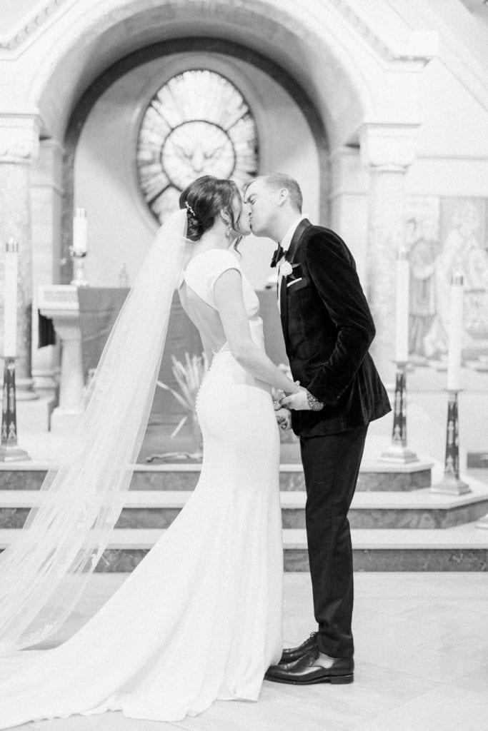 Banff wedding photography ceremony kiss